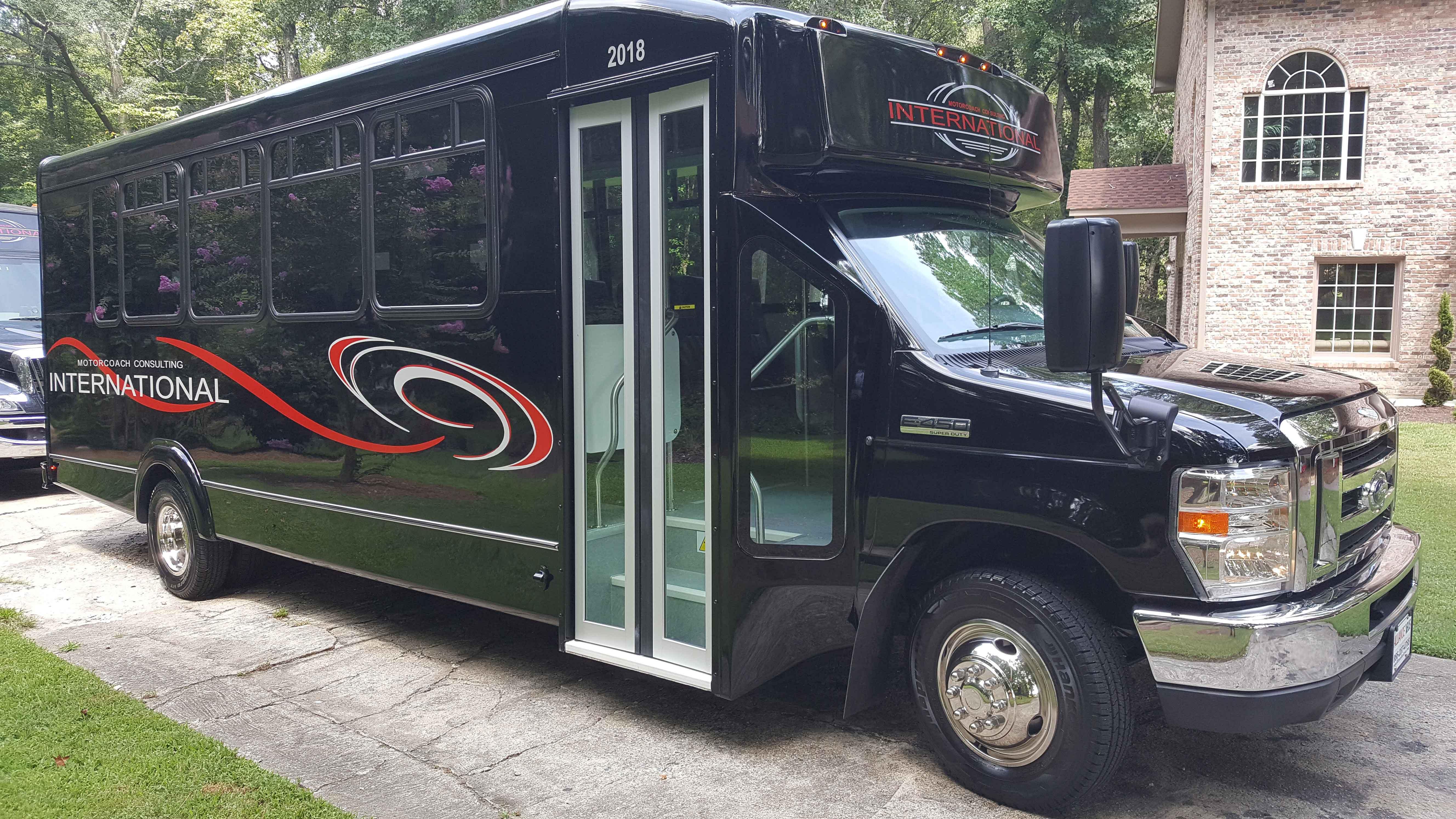 Charter Bus Company in Atlanta, GA - Mini Buses, Luxury Seats